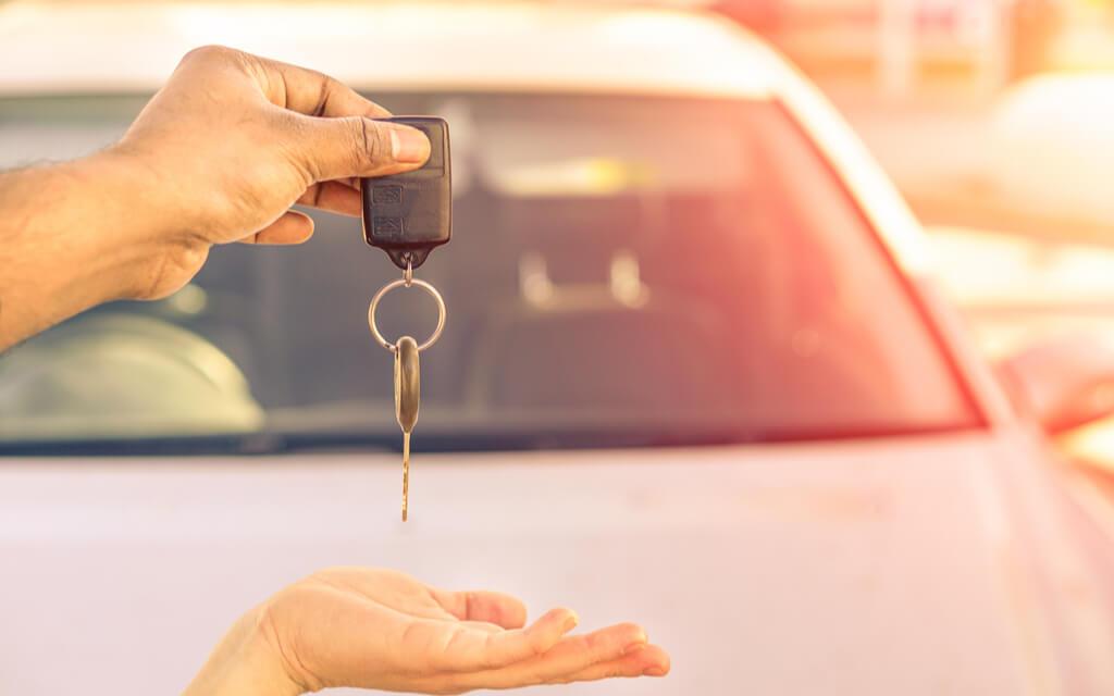 निजी कार रखने की असली कीमत उसकी बाजारू कीमत से होती है बहुत ज्यादा, जानें कैसे