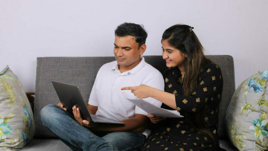 Can a couple invest in the same set of mutual funds?