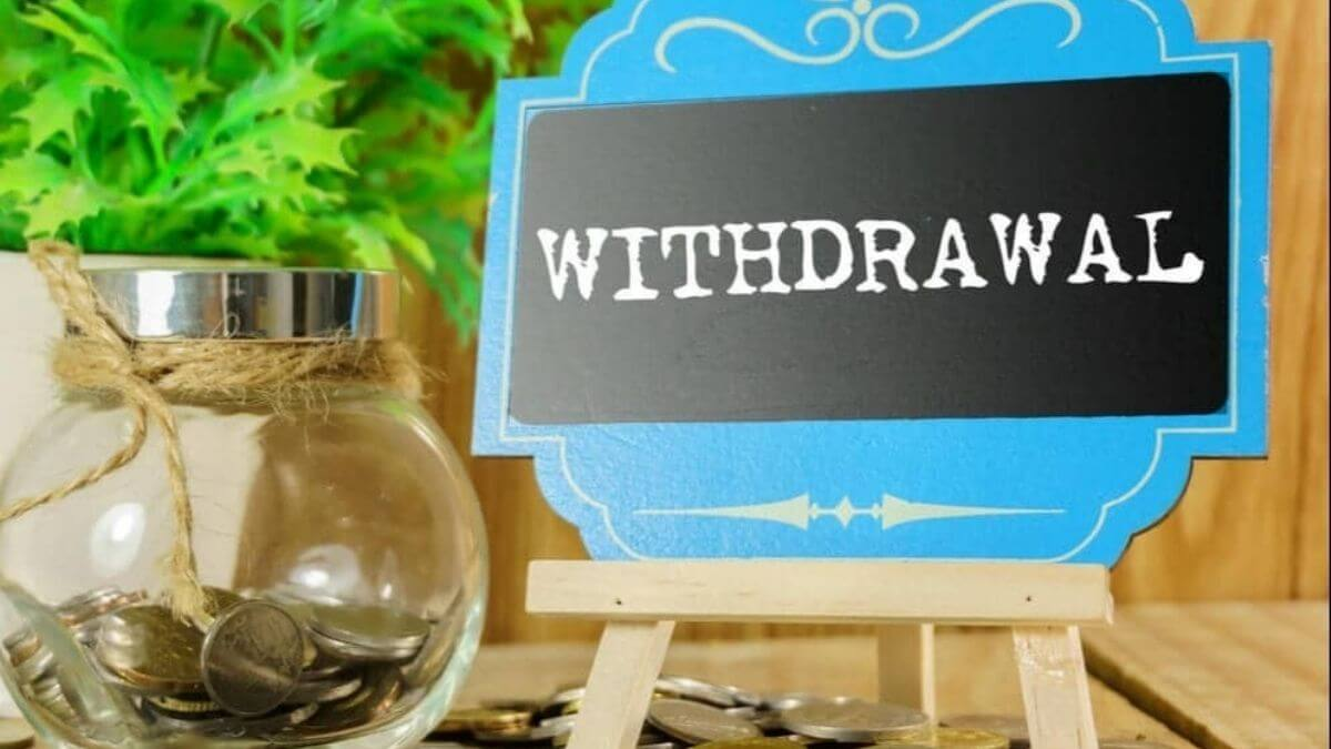 when to withdraw money from mutual fund