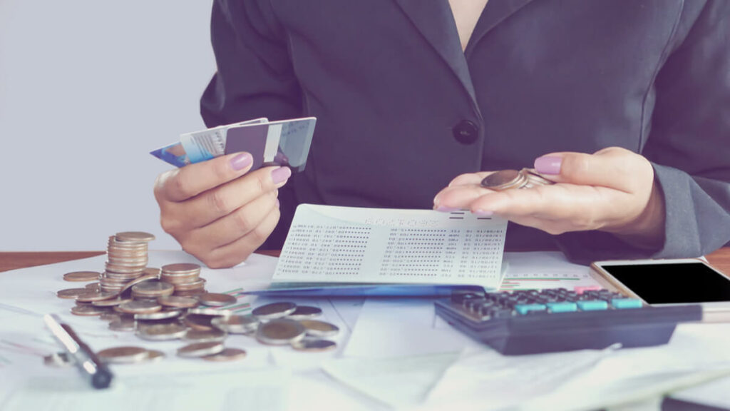How many savings bank accounts and how much money should you keep in them?