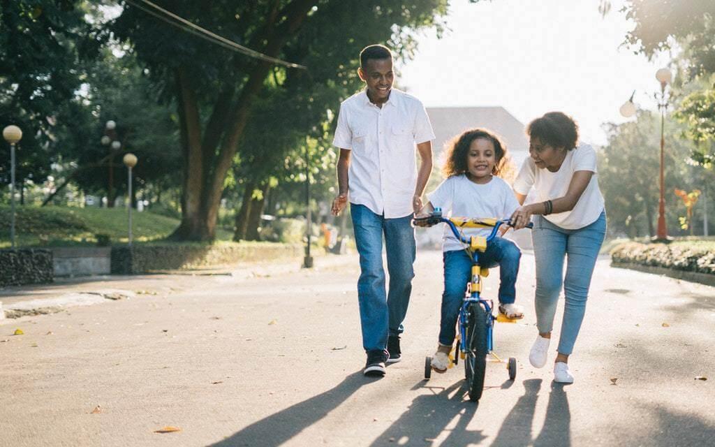 How to Make Saving Money a Family Fun Game
